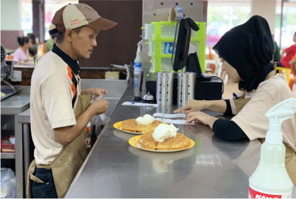 Beloved A&W outlet in PJ hailed for employing elderly folk and the disabled